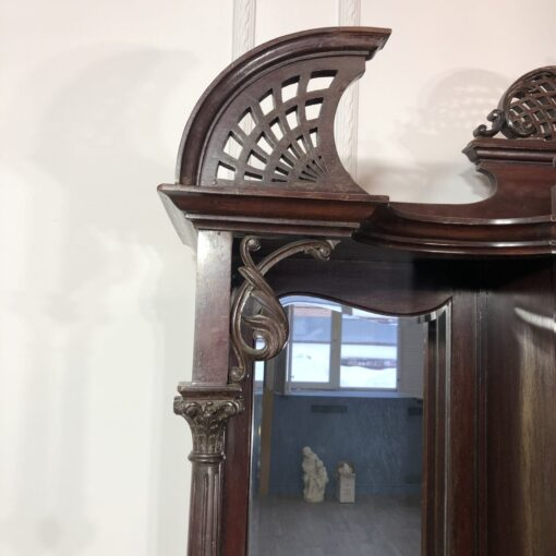 Диван кабинетный в викторианском стиле XIX в