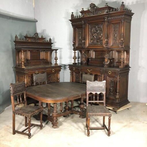Столовый гарнитур XIX века