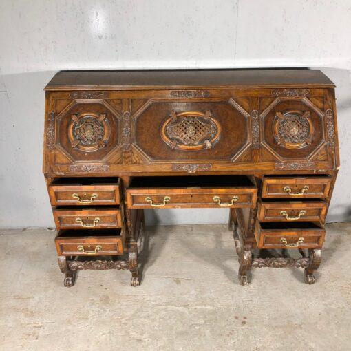 Большое бюро XIX века