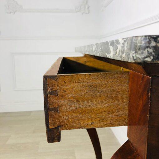 Консоль XIX века с выдвижным ящичком.