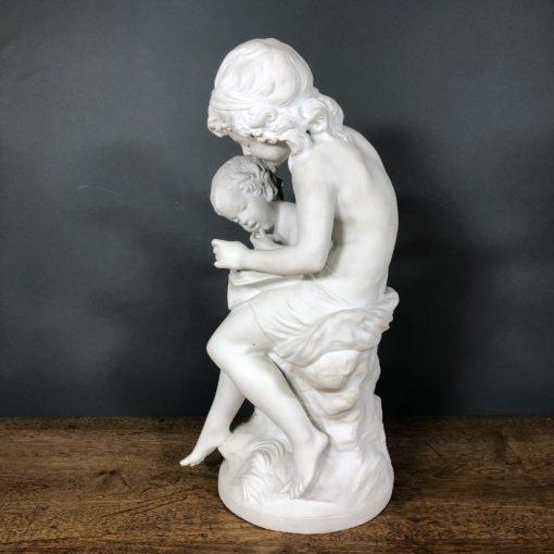"""Скульптура """"Первый урок"""" Limoges, Moreau."""