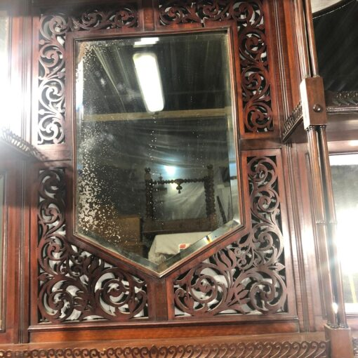 Большая навесная Полочка с зеркалом XIX века.