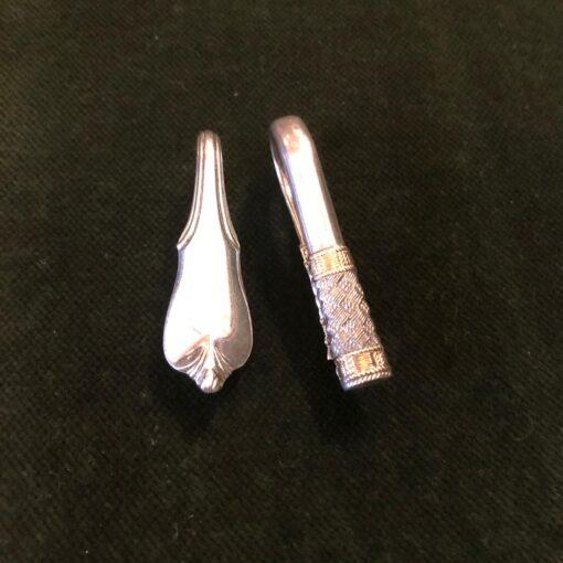 Пара зажимов для салфеток из чистого серебра начала XX века.