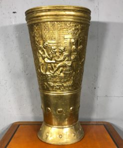 старинная ваза из латуни