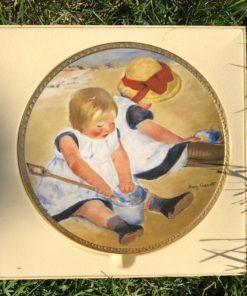 Фарфоровая тарелочка «Дети, играющие на пляже» из серии «Дети» Mary Cassatt.