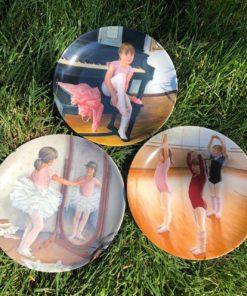 "Три коллекционные декоративные тарелочки серии ""A Swan is born"" фабрики Knowles, США 1986-1988 гг."