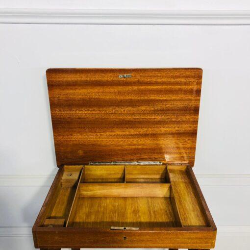Небольшой музыкальный столик для рукоделия 1960х годов.
