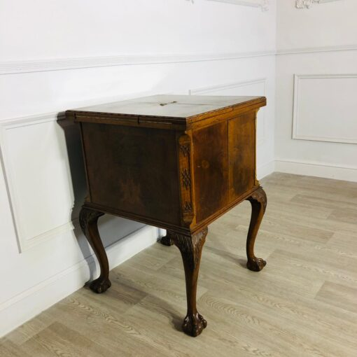Бар начала XX века в стиле Chippendale, Англия.