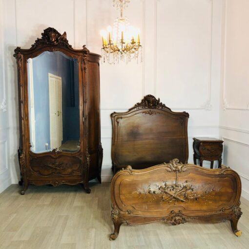 Спальный гарнитур антикварный Льежской мануфактуры XIX века, Франция.