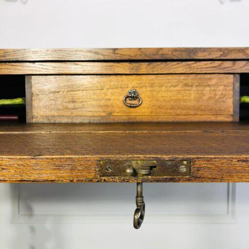 Редкое, необычное бюро на высоких витых ножках XIX века, Бельгия.