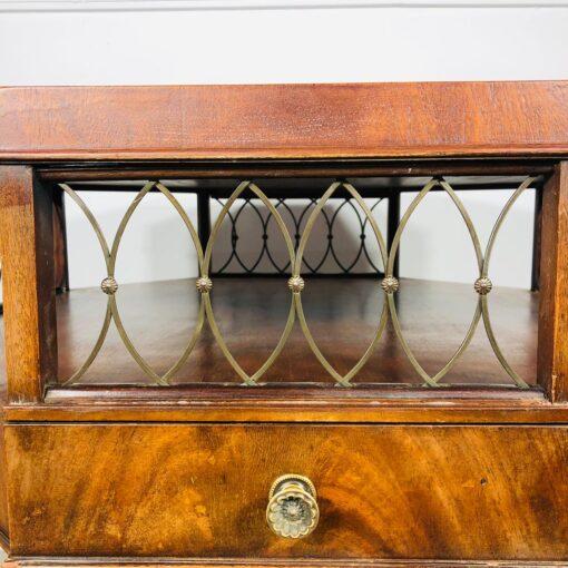 Восьмигранный столик на одной ноге, начало XX века, Франция.