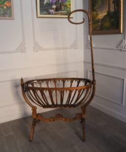 Старинная резная колыбель из Франции конца XIX века