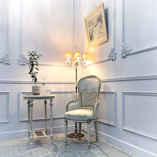 Столик с креслом антикварные середины ХХ века из Франции