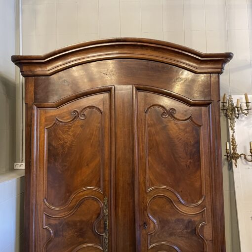 Платяной шкаф XIX века из Франции