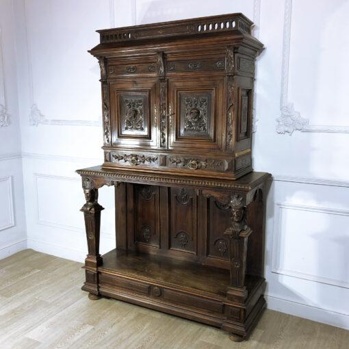 Антикварный шкаф конца XIX века из Франции.
