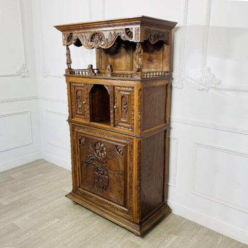Антикварный шкаф-поставец в бретонском стиле конца XIX века из Франции.
