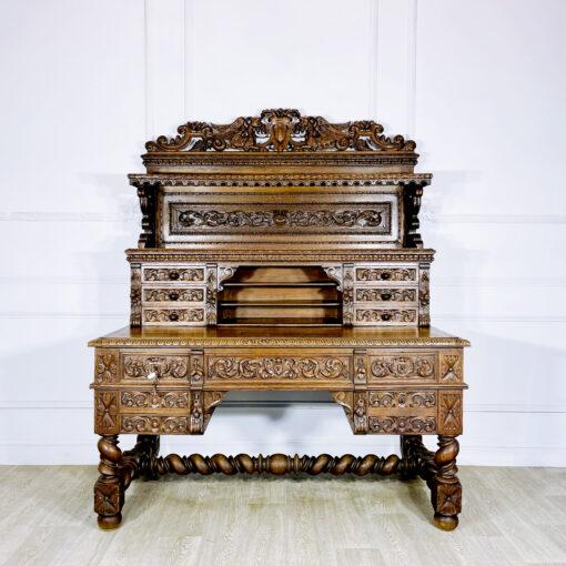 Антикварный письменный стол с навершием XIX века из Франции.
