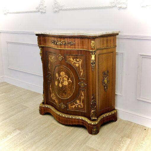 Шкафчик с мраморным навершием начала ХХ века из Франции.