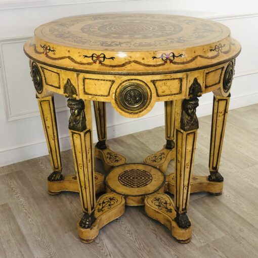 Массивный стол из корня берёзы, начало ХХ века.