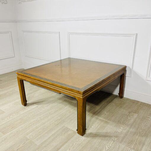 Журнальный стол антикварный в восточном стиле середины XX века.
