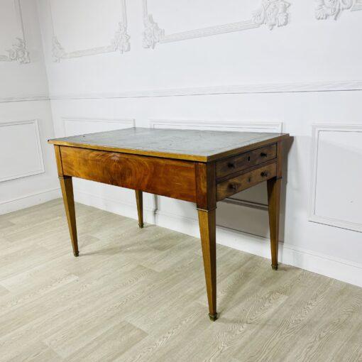 Письменный стол антикварный первой половины XX века.