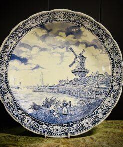 Блюдо антикварное Delft с пейзажем, Boch.
